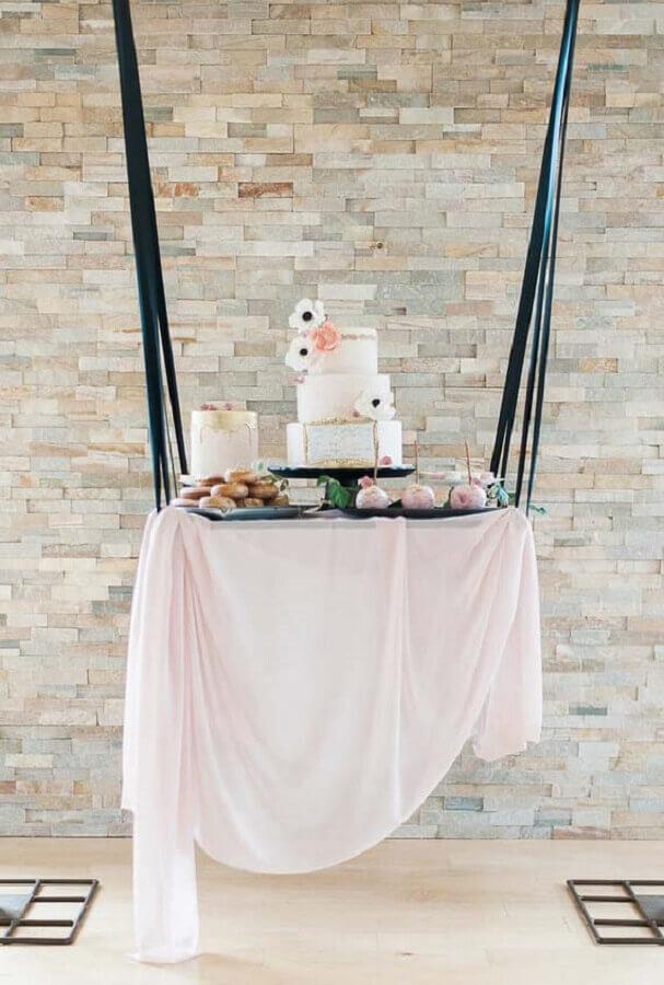 mini wedding com bolo em balanço Foto Enfim Noivei