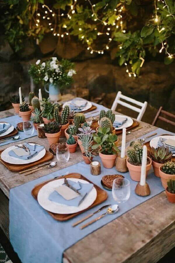 mini wedding rústico decorado com vasinhos de cactos Foto GuiaNoiva