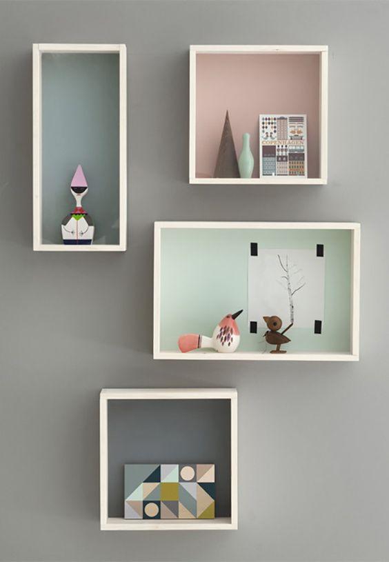 nichos de madeira mdf com itens decorativos