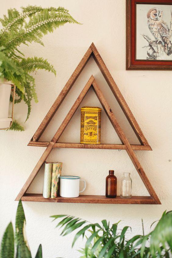 nichos de madeira triangulares