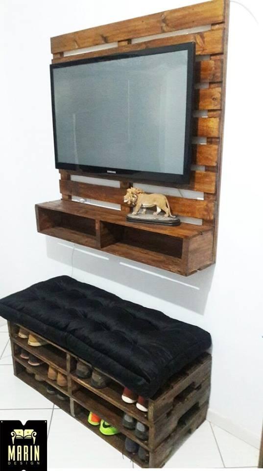 painel de tv de madeira de ripa com rack suspenso