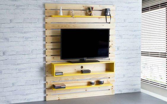 painel tv para quarto com rack suspenso amarelo