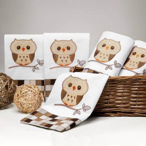 Pano de prato bordado simples em formato de coruja