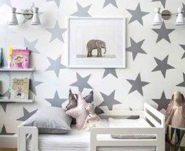 papel de parede para quarto infantil cinza com estampa de estrelinhas Foto Pinterest