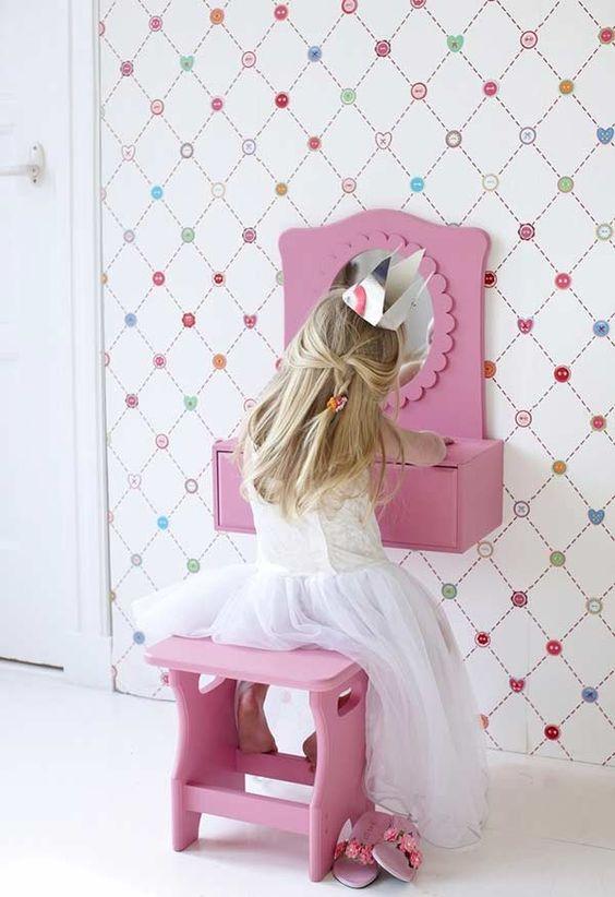 Penteadeira infantil pequena