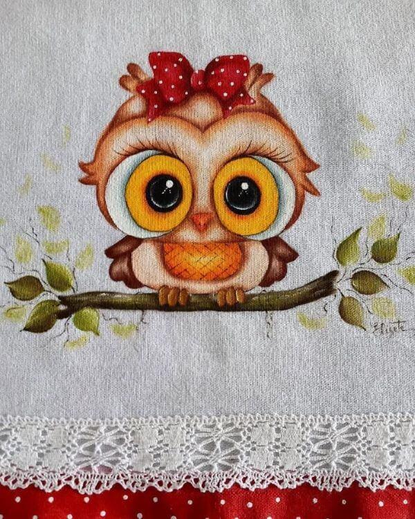 Pintura em pano de prato com coruja