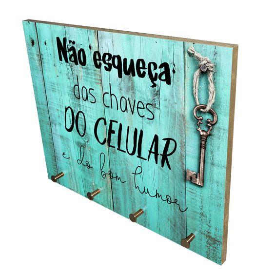 porta chaves de madeira ripada pintada de verde