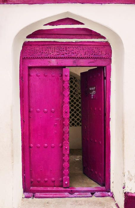 porta de casa cor fúcsia