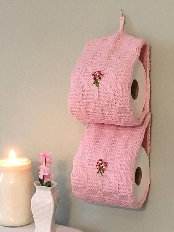papel higiênico de crochê cor de rosa