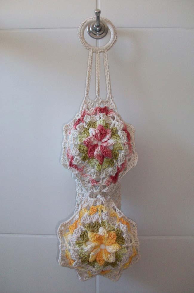 Porta papel higiênico de crochê decorado