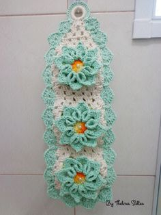 Porta papel higiênico de crochê tiffany e branco