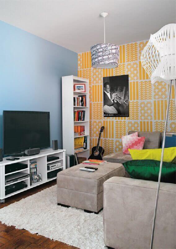 rack pequeno para sala com decoração simples Foto Mundo de Casa