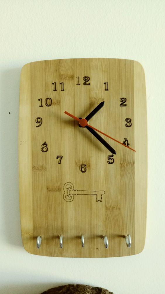 relógio com porta chaves embutido