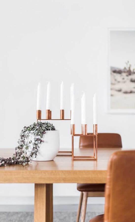 sala de jantar decorada com castiçais rose gold Foto Pinterest