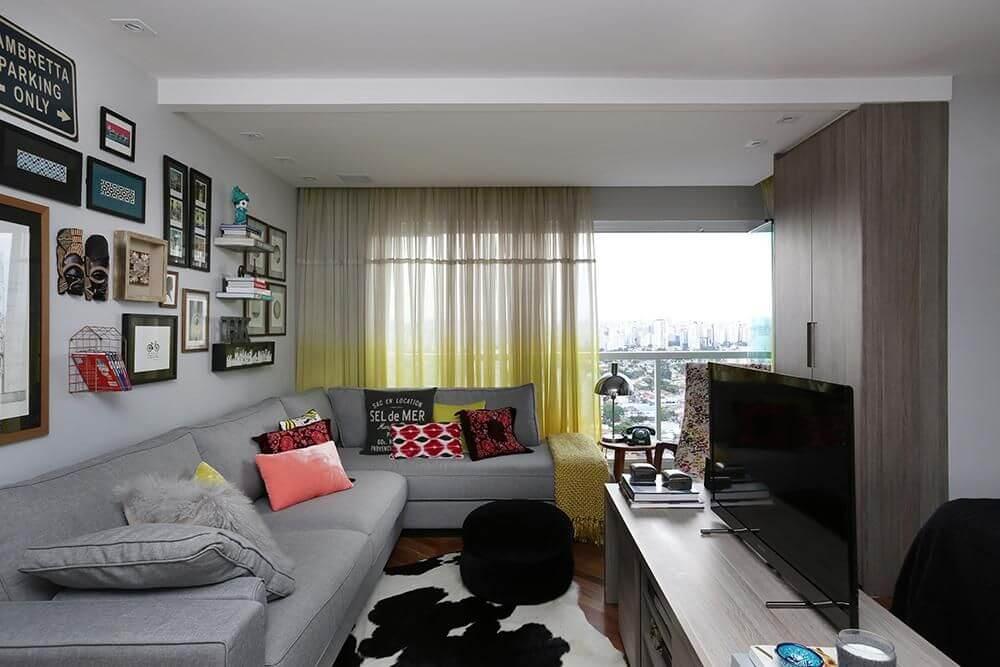 sofá para apartamento - sala de estar pequena com sofá de canto