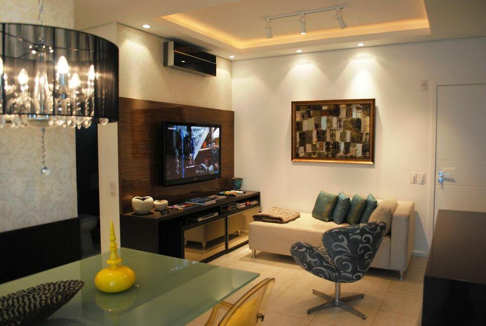 sofá para apartamento - sala de estar pequena com sofá divã