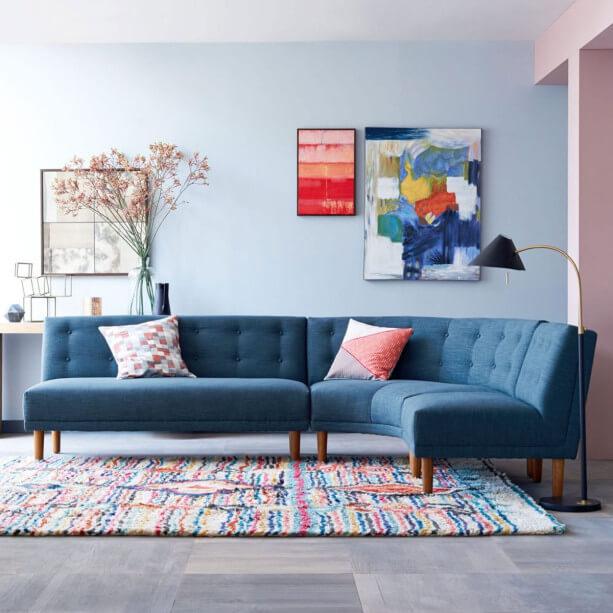 sofá colorido azul