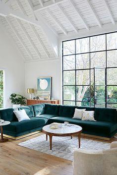 Sofá colorido verde de canto