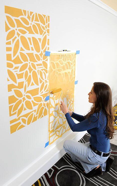Stencil para parede amarelo