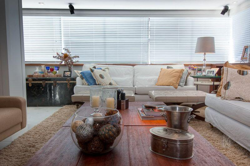 tapete medusa - sala de estar com tapete felpudo creme