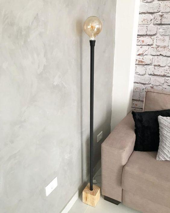 tipos de lâmpadas - luminária de chão com lâmpada grande