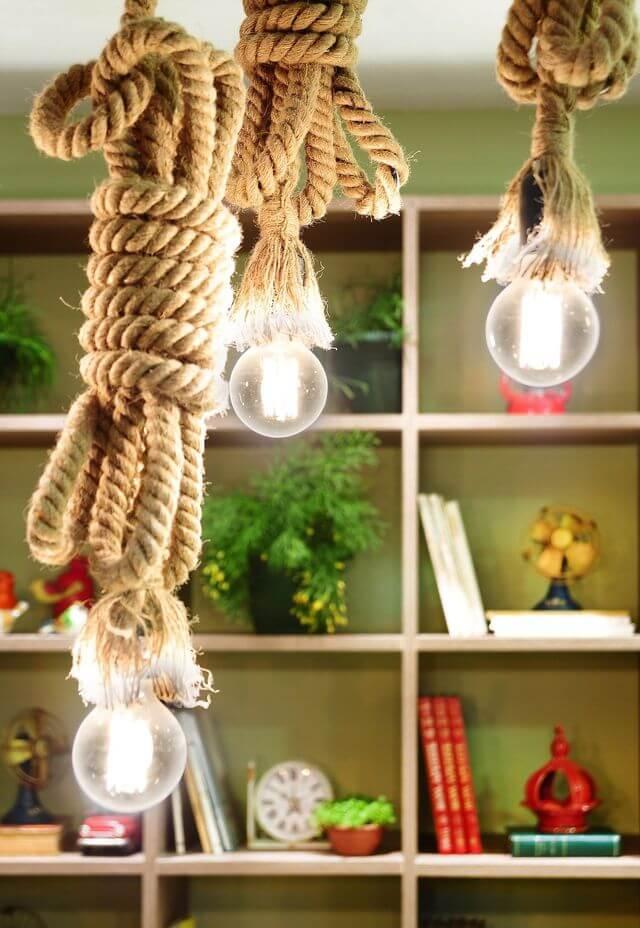 tipos de lâmpadas - pendentes de corda com lâmpada de filamento