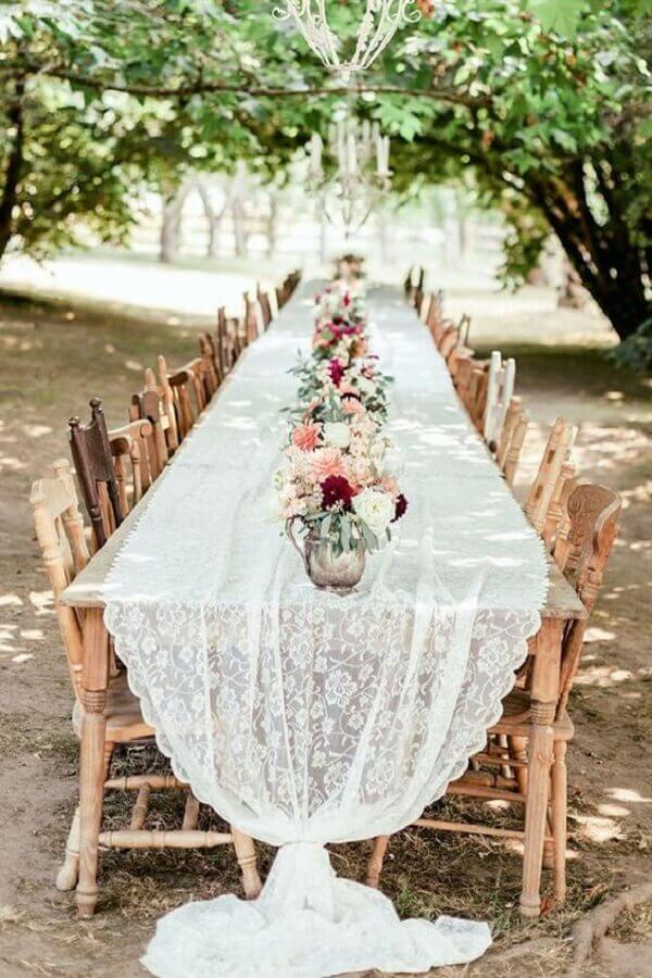 toalha de renda para mini wedding ao ar livre Foto Wedding Forward