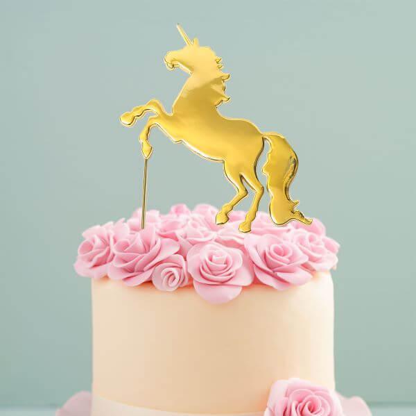 Topo de bolo unicórnio dourado