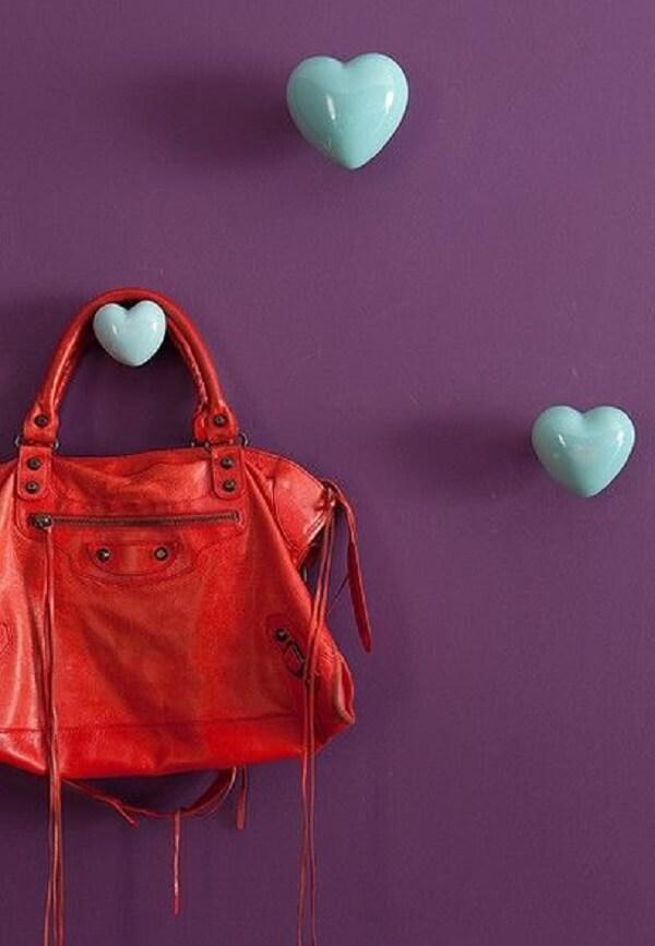 Gancho de parede em formato de coração