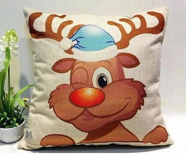 Invista em almofadas de Natal feitas com tecido de juta