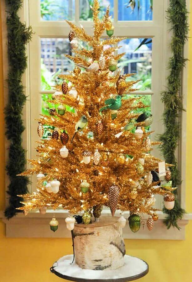 árvore de natal pequena toda dourada Foto Pinterest