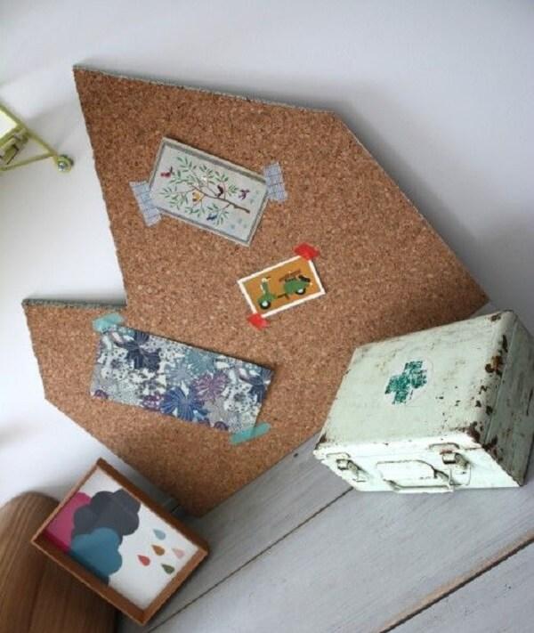 Quadro de cortiça com formato criativo