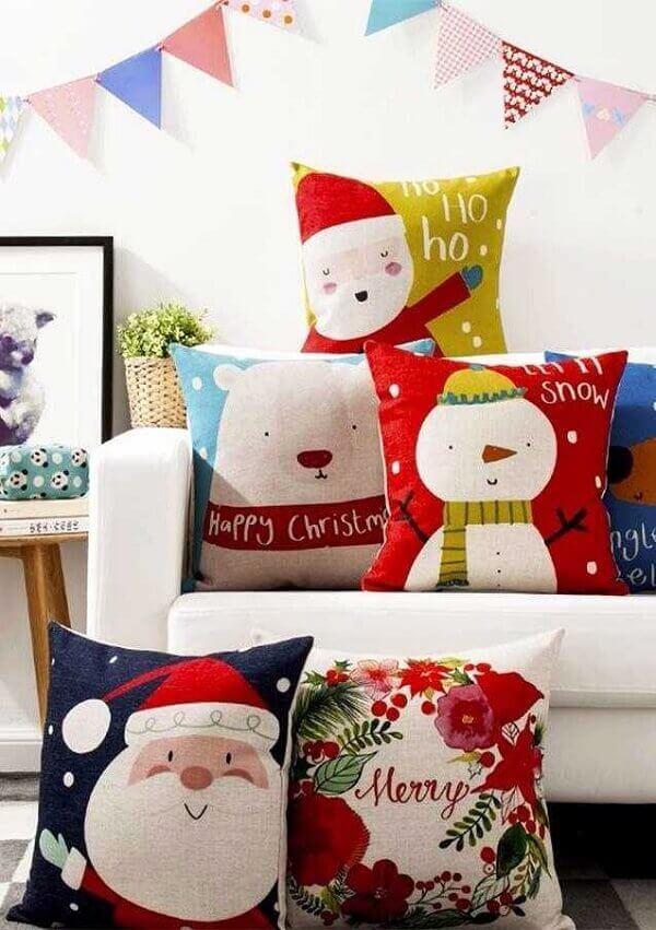 Conjunto de almofadas de Natal com diferentes estampas para decorar seu ambiente