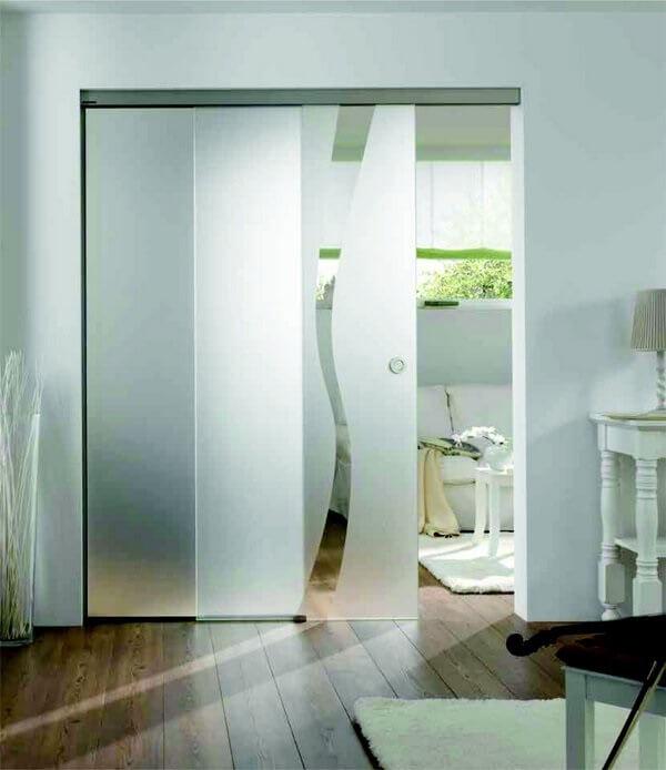 Adesivo para vidro jateado utilizado para separar ambientes