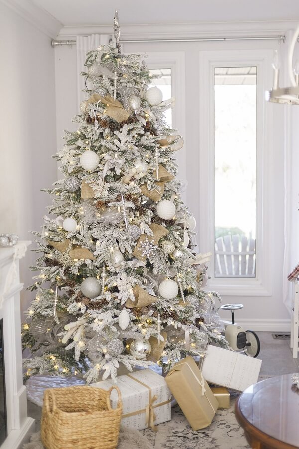 The white Christmas tree is perfect for those who identify with the clean style