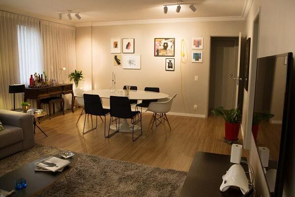 Ambiente integrado com luz Spot no teto