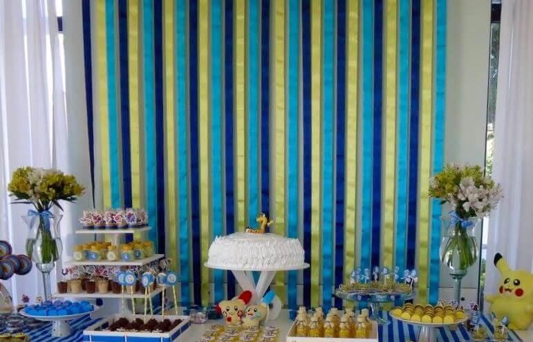 cortina de papel crepom azul e branco