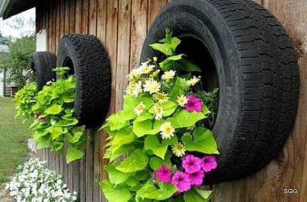 Enfeites para jardim feitos com pneus