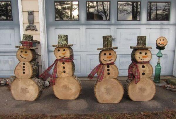 Enfeites para jardim natalinos feitos com tronco de madeira