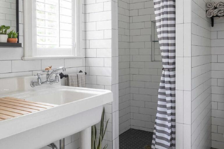 Escolha a cortina para banheiro que se conecta com a sua decoração