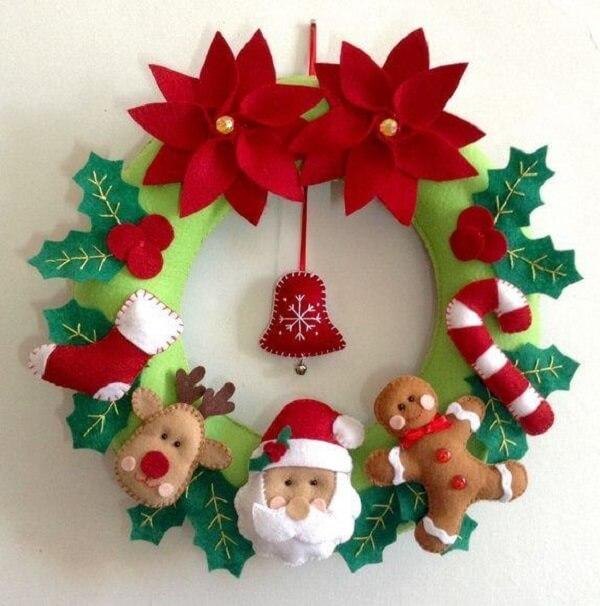 Enfeite de natal para porta feito em feltro