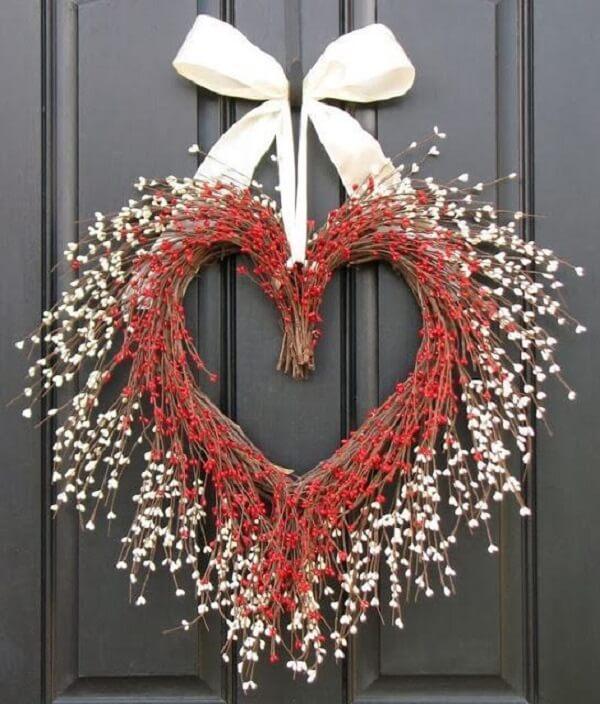Guirlanda de natal feita em formato de coração