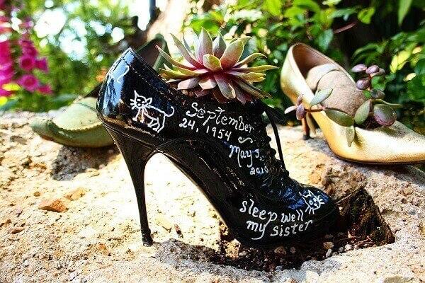 Reutilize seu sapato e formem lindos enfeites para jardim