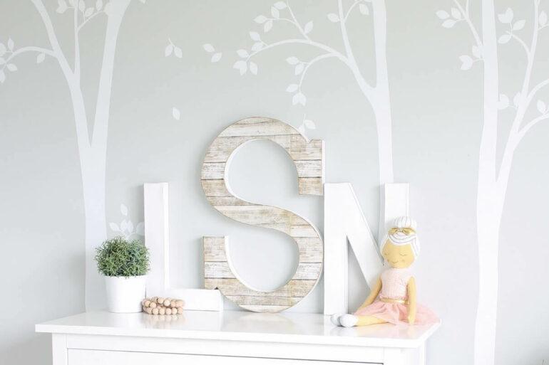 Letras decorativas para quarto clean