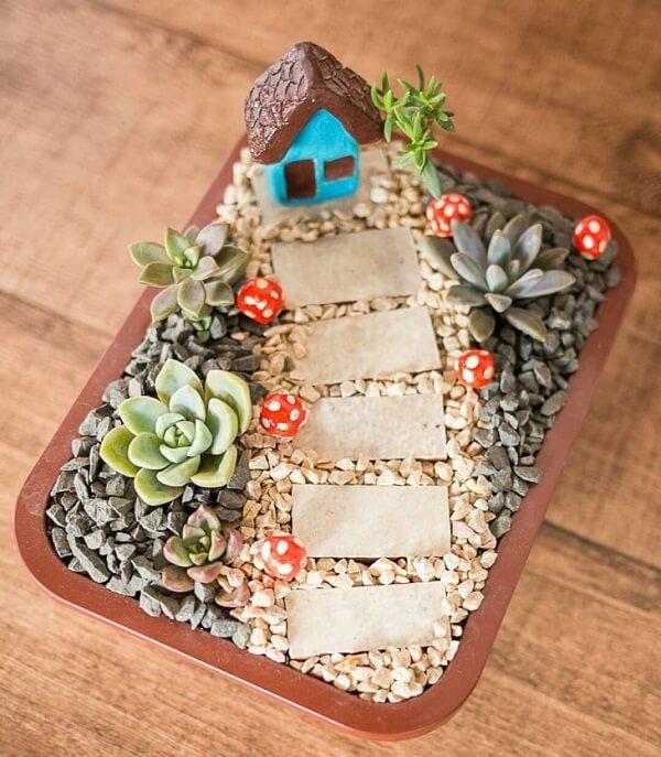 Mini jardim de suculentas para presentear amigos e familiares