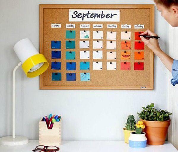 O quadro de cortiça auxilia na organização das tarefas. Fonte Pinterest
