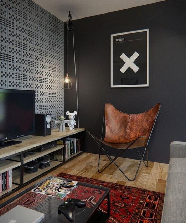 Poltrona para sala de tv seguindo decoração industrial