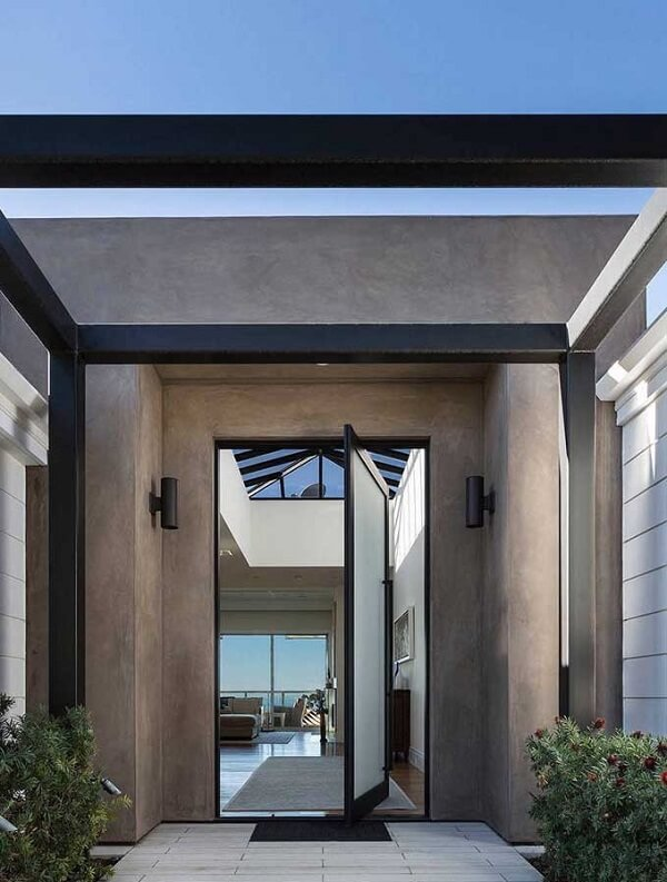 Porta de entrada com vidro jateado