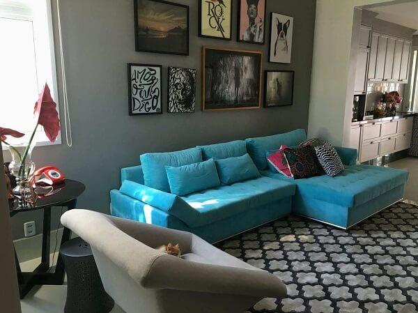 Sofá cama suede em tom azul turquesa