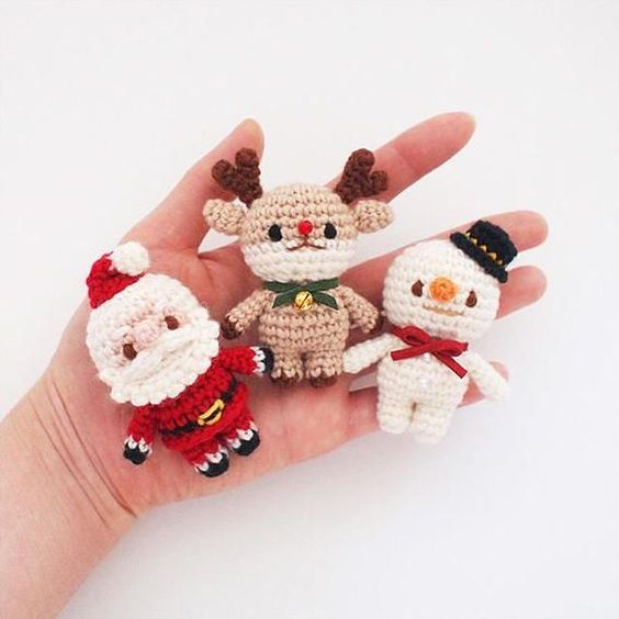 amigurumi - bonecos de natal feitos de amigurumi